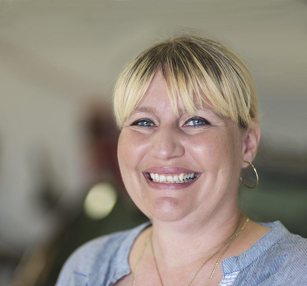 Bogholder: Tina Johansen